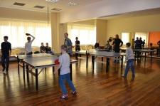 Jaunieši pierāda sevi galda tenisa turnīrā